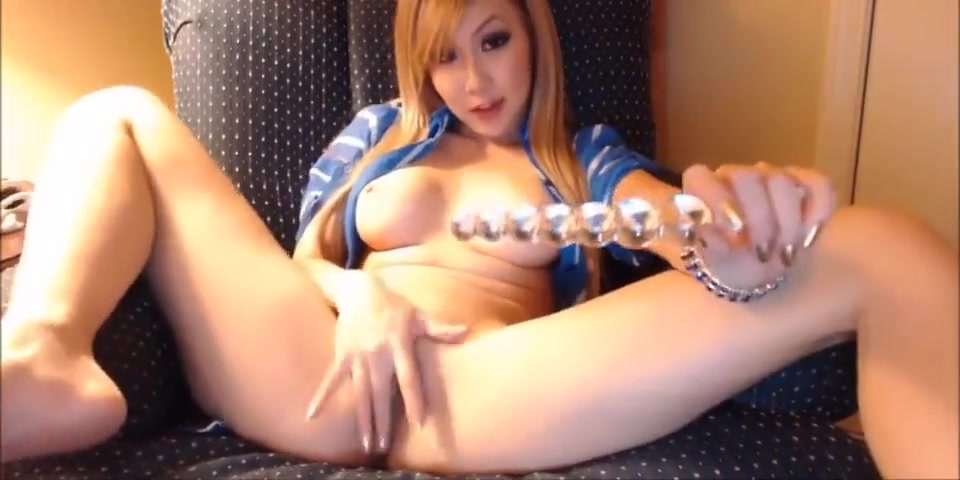 Cute Asian Teen Plays With Herself