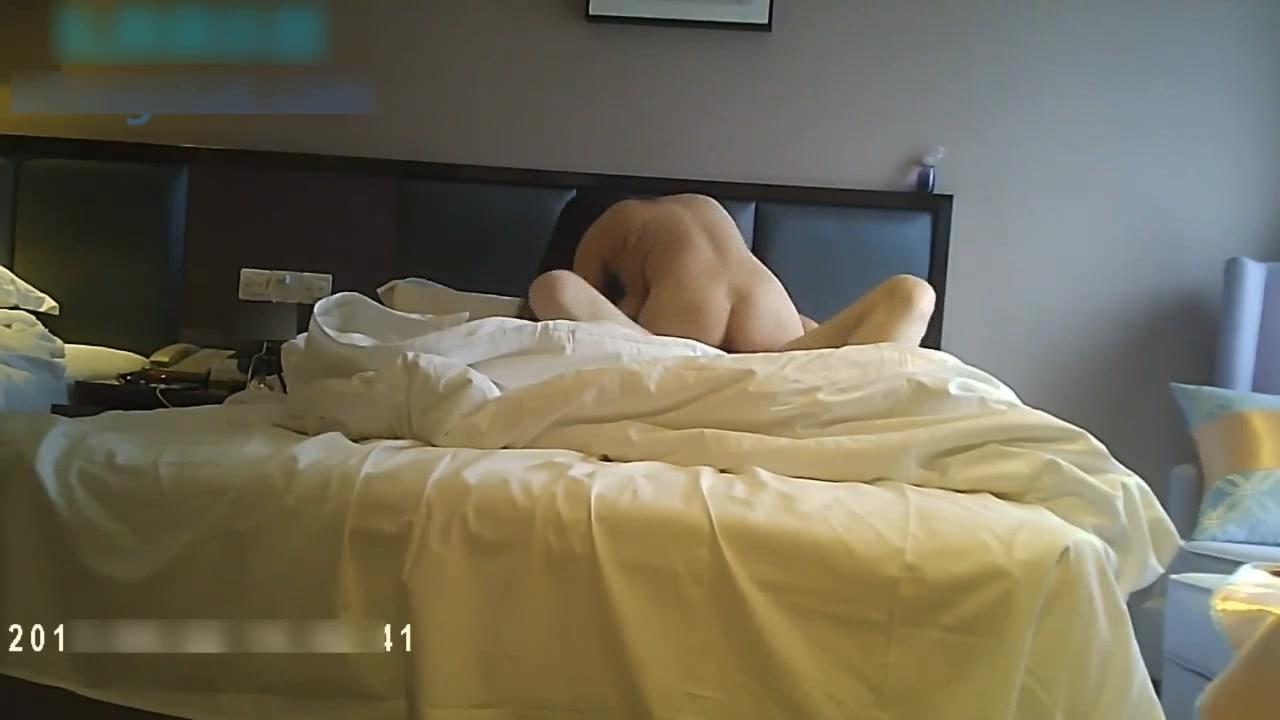 全哥周末约啪外企上班寂寞气质女白领美女姐姐外表看着一本正经脱光到床上淫荡无比高难度69式720P原版