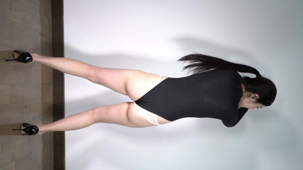 【维拉定制】轻熟女良家少妇型气质美女(大河豚)露三点摇嗨动起来很有撸点