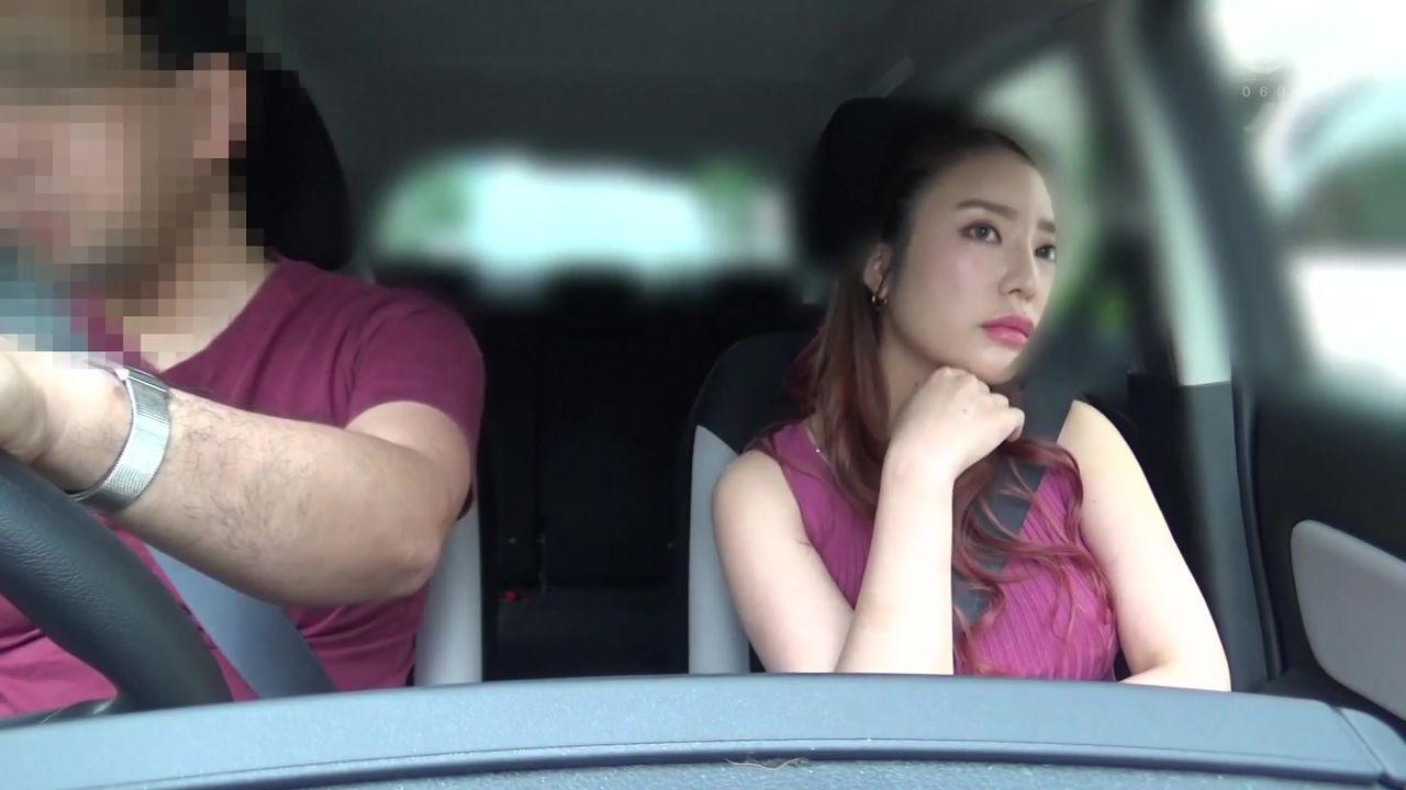 中文字幕 空闲时和老婆开车一起到公园游玩没想到她是一个骚货让我在外边等待却和人在厕所啪啪搞穴1080P高清01