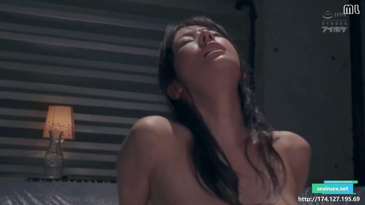 ipx580_Part2,難得一見大眼超級清純女神,喜歡瞪著眼看男主角,黑絲翹臀胸不大但是粉得過分,大汗淋漓地做愛