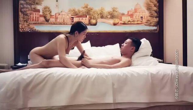文轩探花黄先生约了个绿衣高颜值妹子啪啪,坐在身上摸奶舔弄口交特写骑坐后入猛操