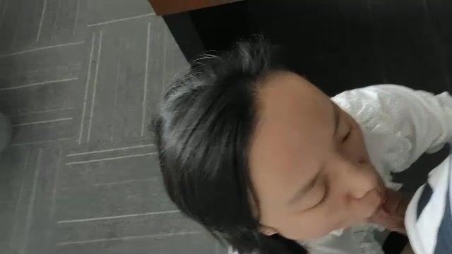 济南办公室女秘书,没有大家眼里的高挑性感,但却贵在真实,青涩懂事一枚秘书!