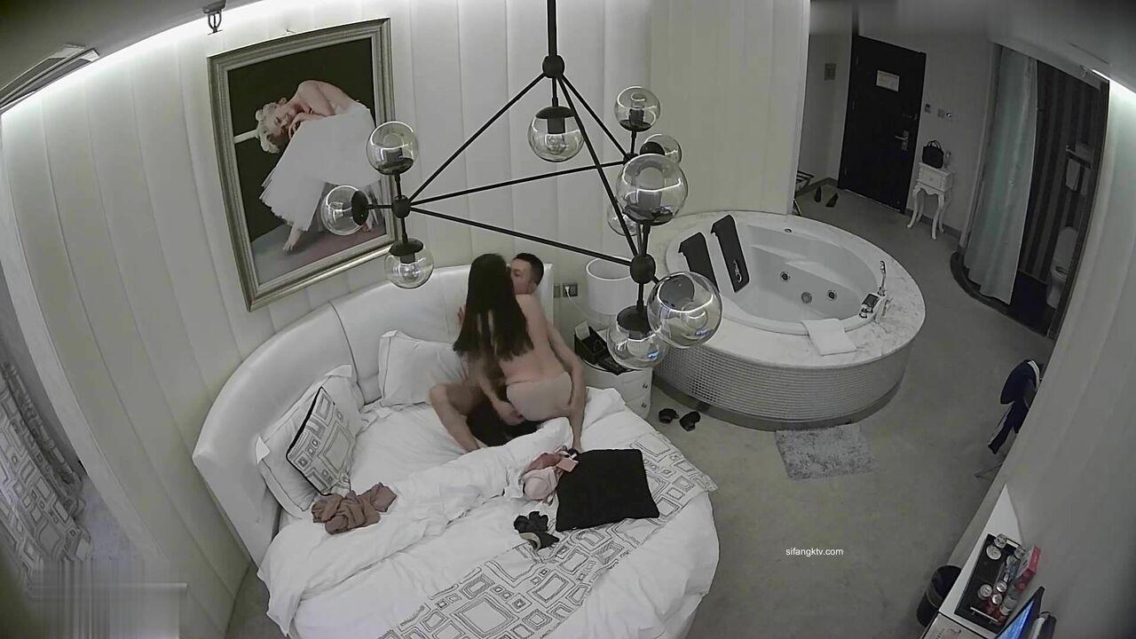 高价购入【酒店摄像头】绝版经典,虎台未留出影像眼镜小伙大战黑丝女朋友