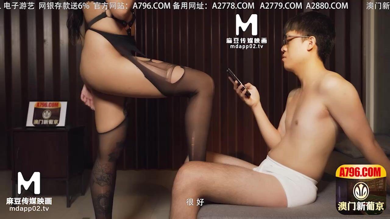 麻豆传媒 MDX0136 誘惑忍耐大挑戰