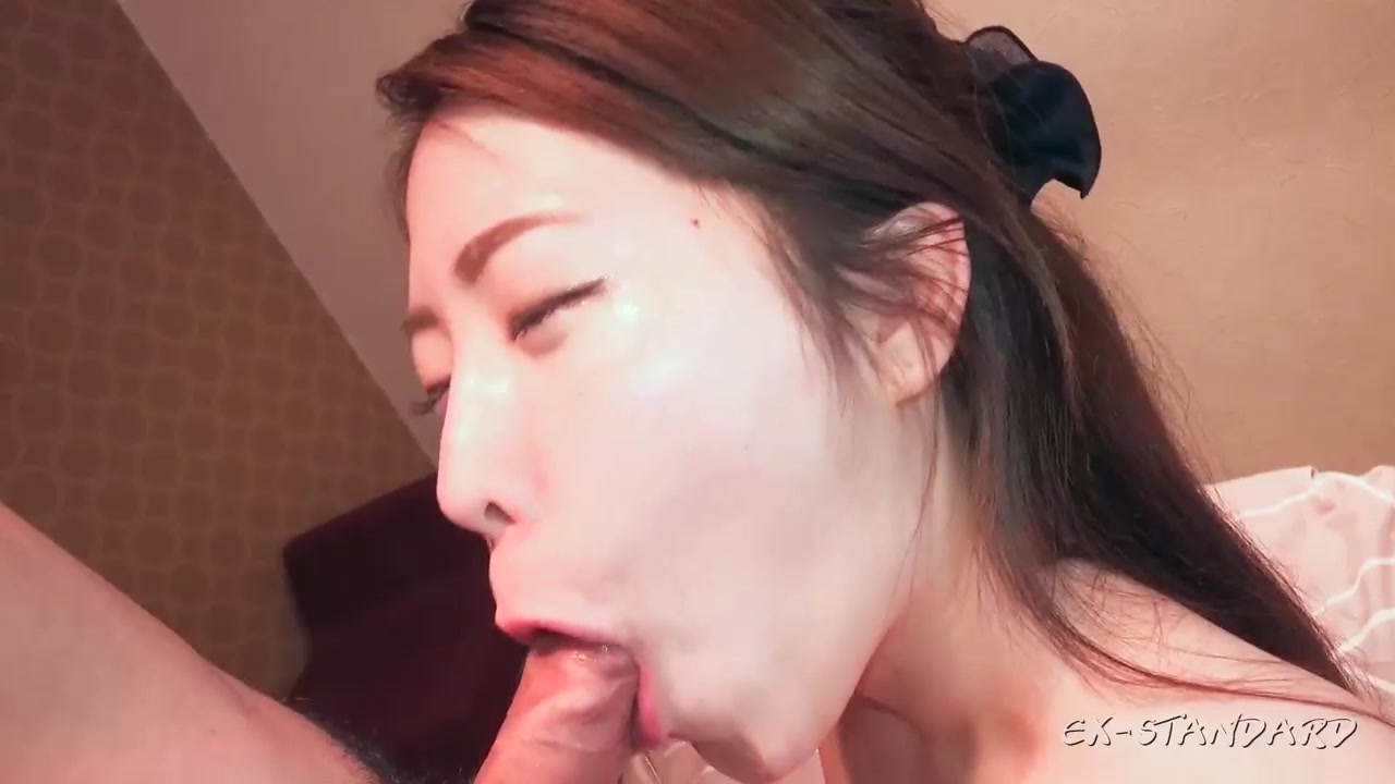 [FC2-PPV 568642]【個人撮影】ゆずき23歳 パイパン美乳スレンダー美女に大量中出し【前編】