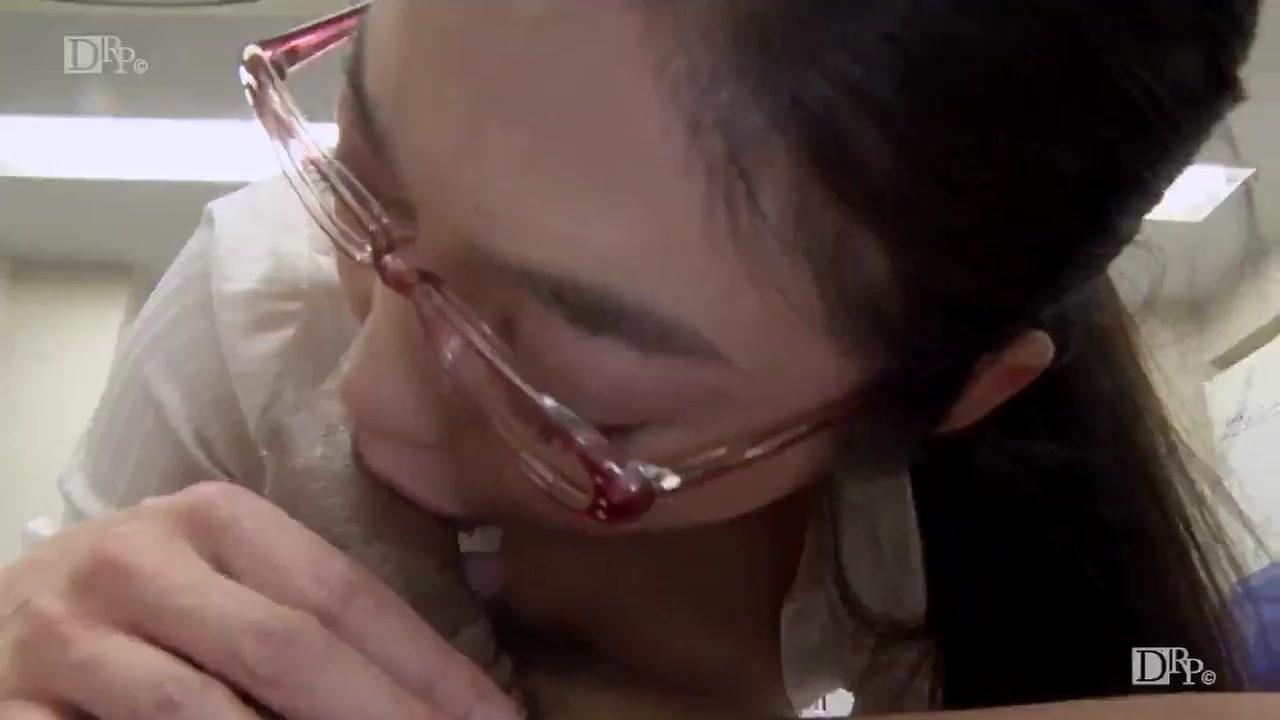 [081217_565]パンツを脱いでもメガネは外しません!〜仕事の出来る女は精欲旺盛〜